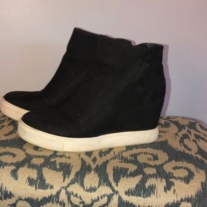 """Steve Madden """"lecture"""" wedge booties."""